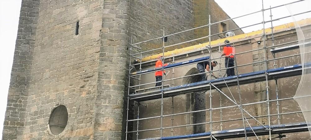 Eglise : la rénovation des façades est en cours